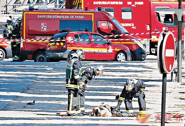 香榭麗舍大道  狂男炸藥車撞警車爆炸 (圖)