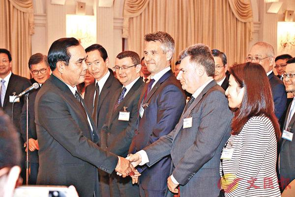 ■泰國總理巴育上月於官邸接見香港及上海基建投資代表團。