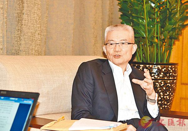 ■徐澤表示,香港回歸20年來,不論是從經濟增長指標上來說,還是從城市功能來看,一直在進步。 新華社