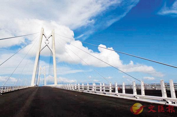 港珠澳大橋「海中橋隧」明貫通 (圖)