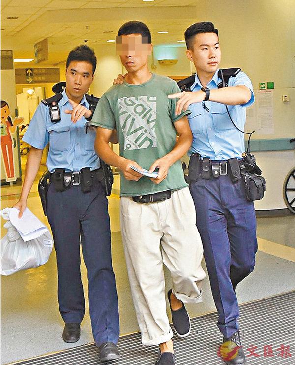 ■警員將陪同事主送院的懷疑黑工帶署扣查。