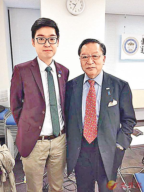 ■去年11月,「香港民族黨」召集人陳浩天在東京與達賴反華組織在日代表白瑪杰坡出席「獨派」活動。資料圖片