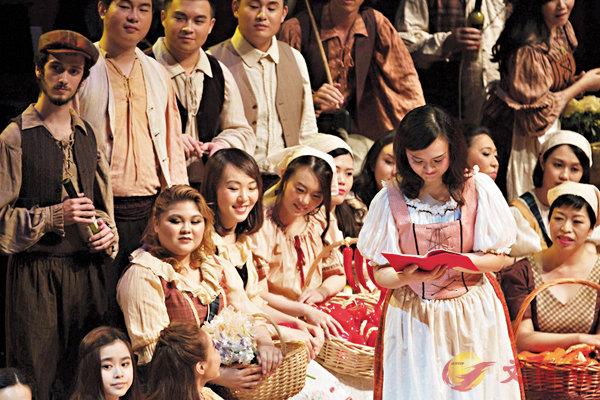 ■廣交歌劇《愛的甘醇》女高音林穎穎的扮相。     廣交提供