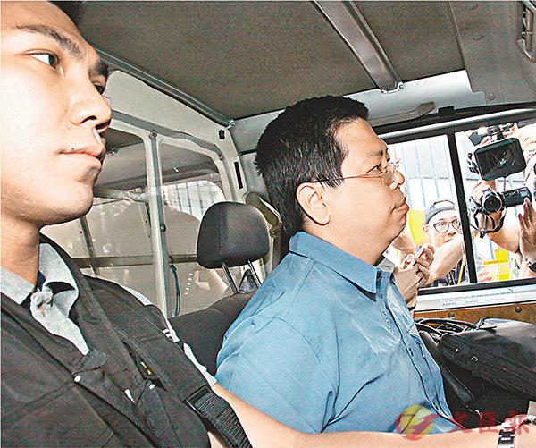 ■林子健從紅磡警署押送西九龍警察總部扣查。
