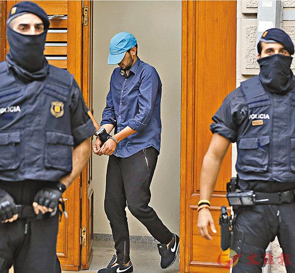 ■西班牙警方聲稱已瓦解策動恐襲的12人恐怖小組,4人被捕。 法新社