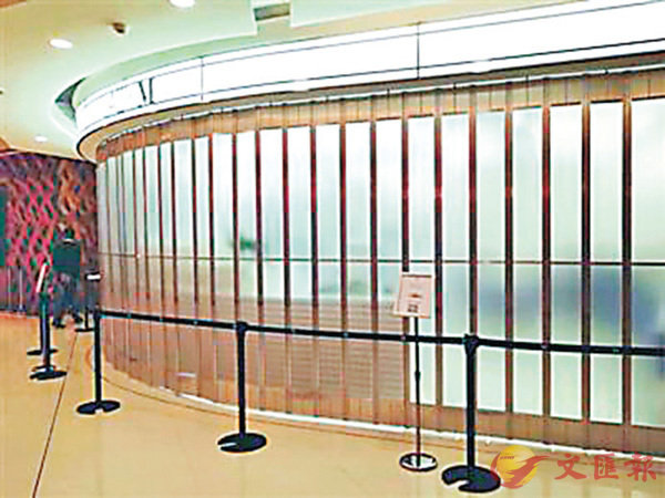 ■因顧客太多,美國名牌蛋糕Lady M上海分店日前關門停售。 網上圖片