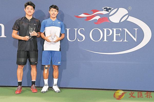 ■海峽組合吳易昺(左)╱許育修奪美網青少年男雙冠軍。 官網圖片