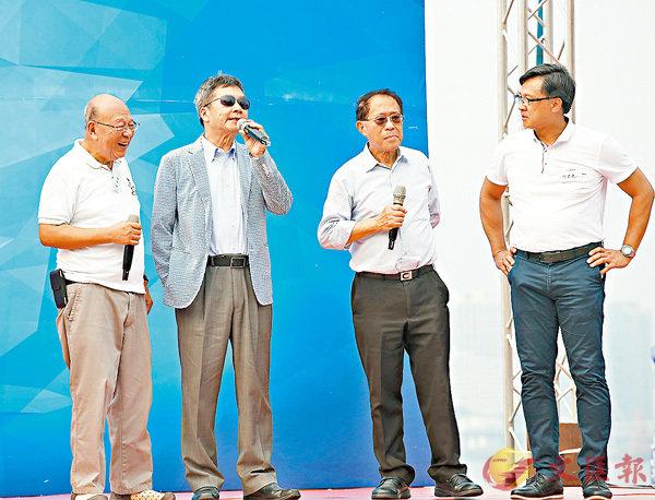 ■左起:藍鴻震、關品方、楊健明、何君堯 香港文匯報記者劉國權 攝