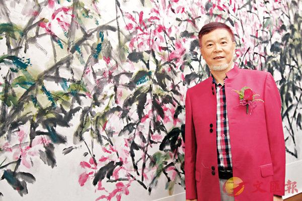 ■何水法認為紫荊花開的時候如錦似霞,正如香港和祖國的今日氣象蒸蒸日上。彭子文 攝