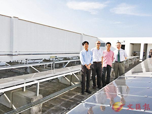 ■陳名華(右二)研發CHASE算法,節約約20%運營成本。香港文匯報記者柴婧  攝