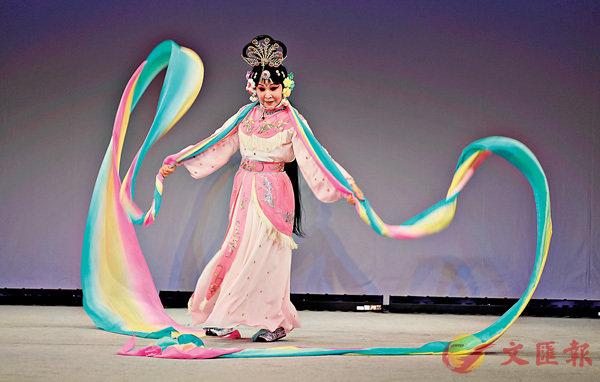 ■竹口美玲表演劇目《天女散花》。