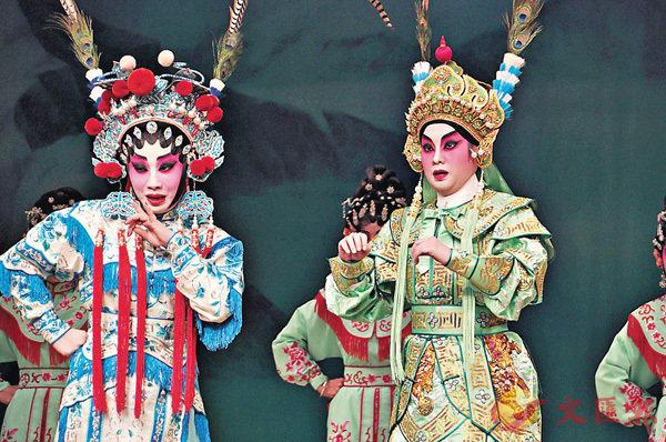 任丹楓和紫令秋是好拍檔,二人的演出很有默契。