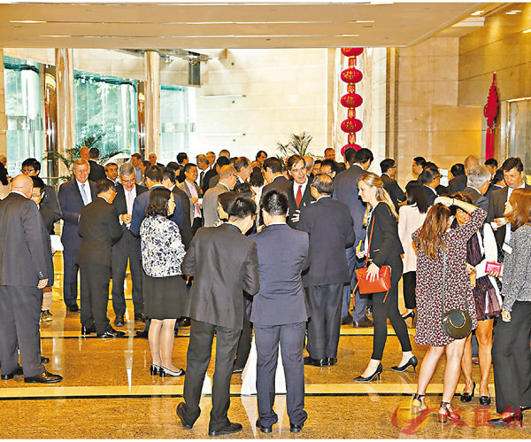 ■27家外國駐港商會和跨國公司的115名代表參與宣介會。 香港文匯報記者潘達文  攝