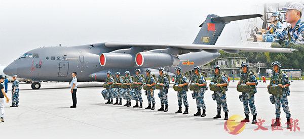 ■今日是中國空軍68周年紀念日,殲-20、運-20已開展編隊訓練,向全疆域作戰的現代化戰略性軍種邁進。圖為中國空軍8月在吉林長春舉辦航空開放活動。 資料圖片