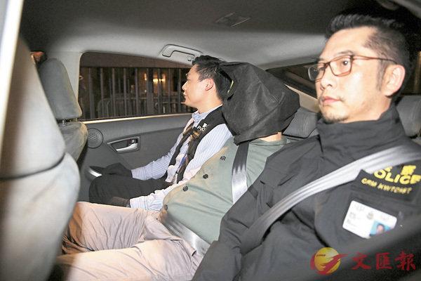 ■警方將爆竊集團成員帶署扣查。