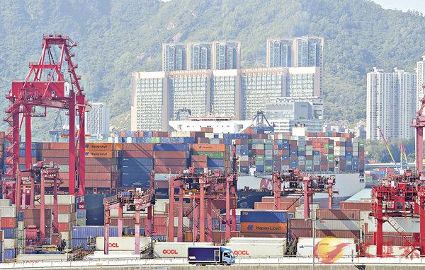 ■土地供應專責小組對重置貨櫃碼頭的選項持開放態度。圖為葵青貨櫃碼頭。中通社