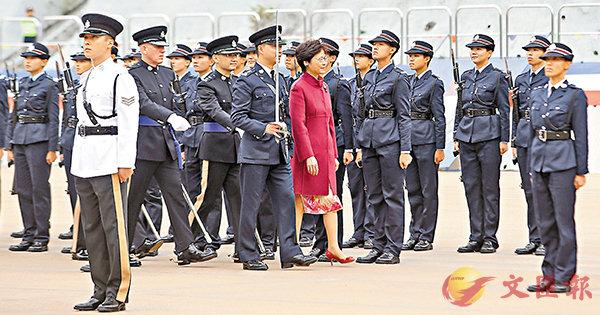 ■林鄭月娥檢閱40名見習督察及176名學警。 香港文匯報記者莫雪芝  攝
