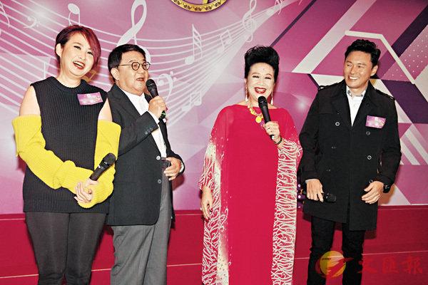 ■薛家燕(右二)的金曲節目宣佈添食10集。