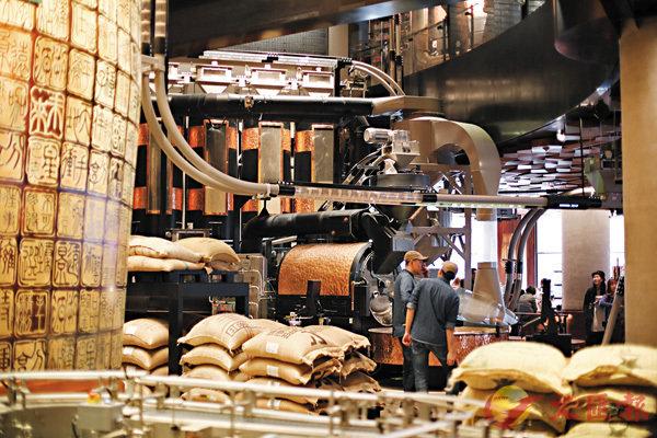 ■店內的烘焙機每天可處理3噸左右咖啡豆。