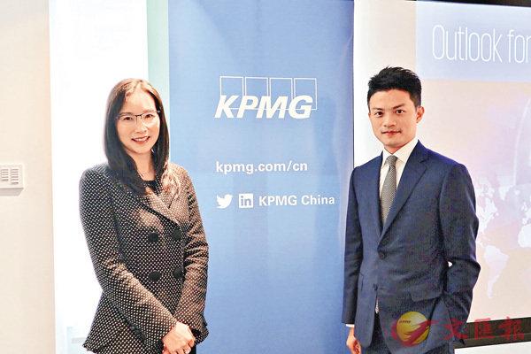■李令德(左) 預期,本港明年IPO表現在排名中可以繼續名列前茅。旁為劉大昌。張美婷  攝
