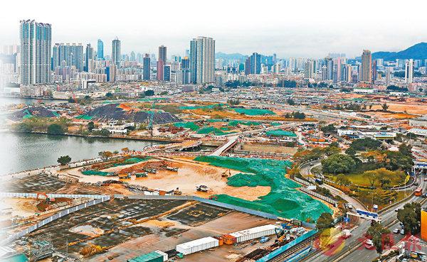 ■今明兩年市區地仍屬主流供應,樓價高企下地價亦難下跌。圖為供應重鎮啟德發展區。 資料圖片