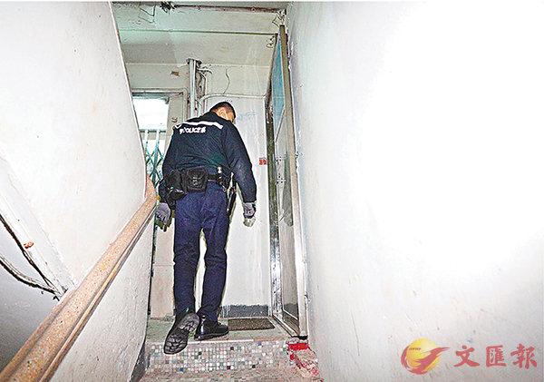 ■案發當日,警員登門調查虐兒案。