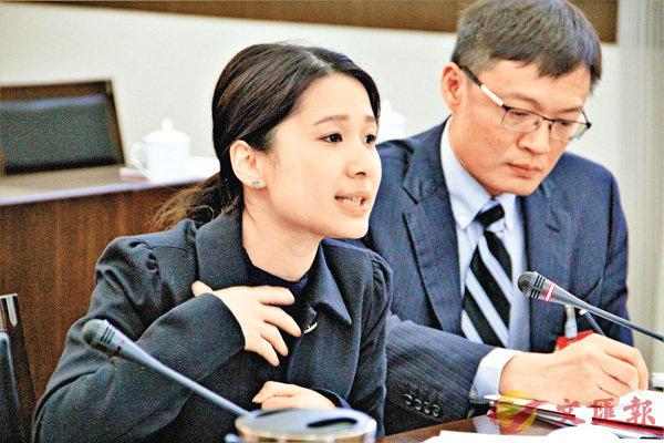 ■蔡頌思委員第一次在政協會議上發言。香港文匯報記者譚旻煦  攝