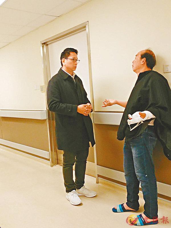 ■鄧家彪到醫院探訪意外傷者古先生。