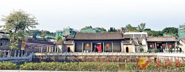 ■廣東音樂的發源地--番禺沙灣古鎮,至今保存�茞釵h極具嶺南建築特色的祠堂。 香港文匯報記者黃寶儀  攝