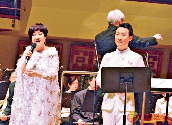 ■李偉驄和麥玉清合唱《梁祝之樓台會》。