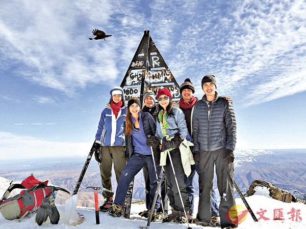 ■林文怡定期和家人進行爬山等戶外活動。受訪者供圖