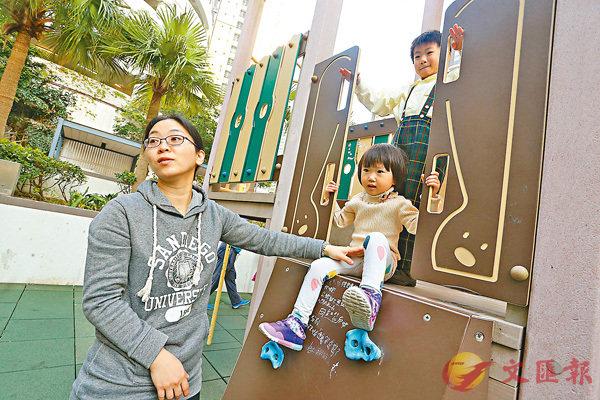 ■鄧太指急症室輪候時間太長,傾向帶小朋友向私家醫生求診。香港文匯報記者莫雪芝  攝