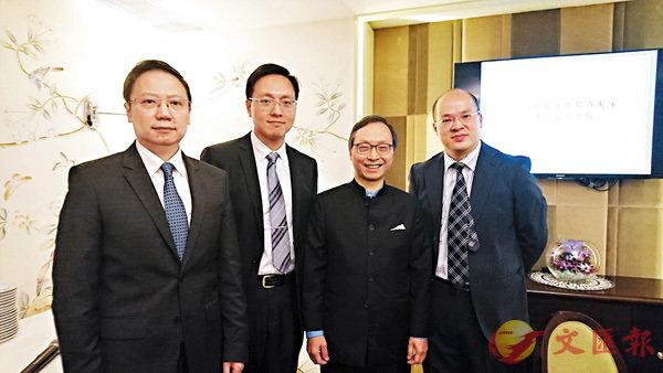 ■梁國齡(右二)透露現時有三分之二婦科醫生向AON購買專業責任保險。香港文匯報記者顏晉傑 攝