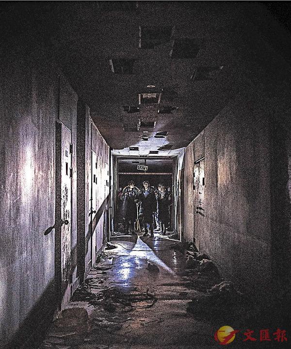■看《瘋人院逐個捉》演員到昆池岩探險,好恐怖。