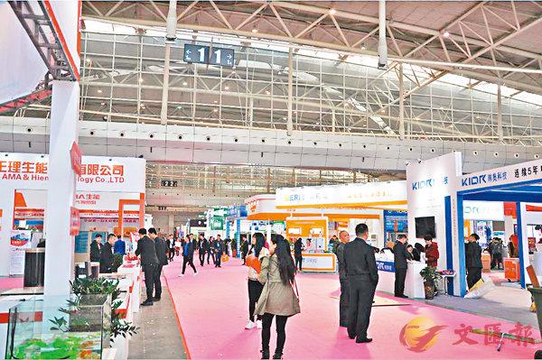 ■圖為2018「一帶一路」新疆暖通展覽會現場。 香港文匯報新疆傳真