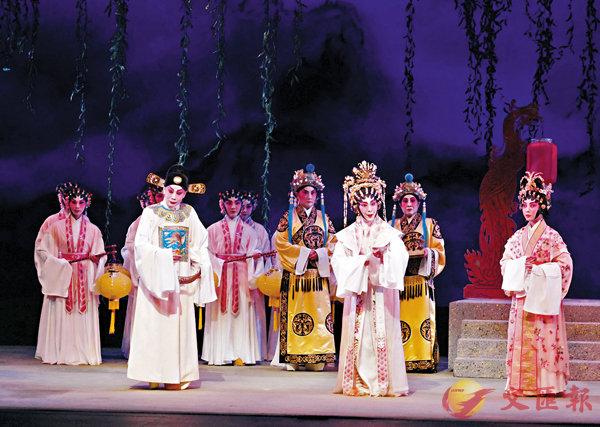 ■《鳳台選婿》一場,李沛妍的長平公主演得淡定高貴。