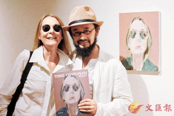 ■童雁汝南與設計師Barbara Cuniberti合影。