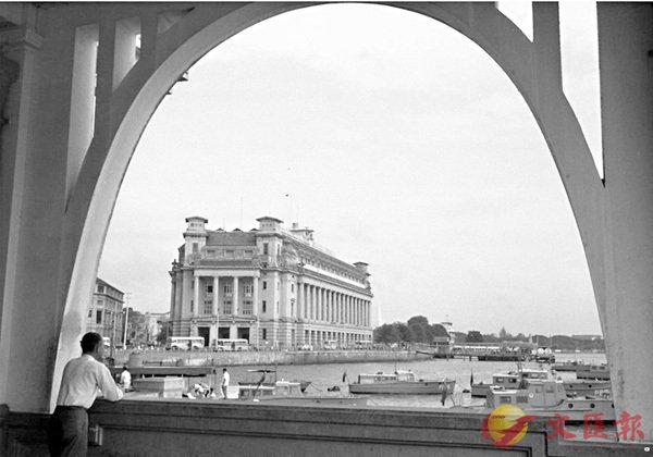■從紅燈碼頭可直接望見富麗敦大樓。酒店供圖