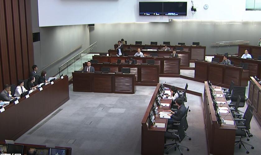 立法會審議「一地兩檢」 反對派議員持續「拉布」