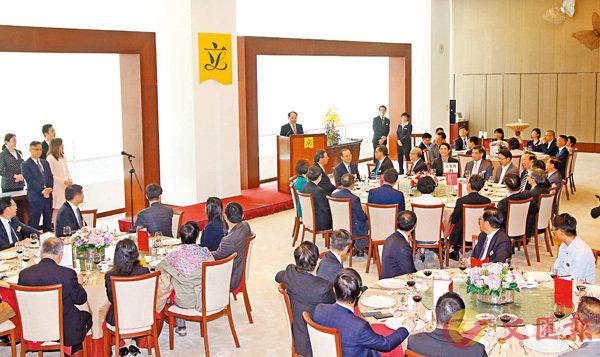 ■中聯辦主任王志民出席立法會午餐會。 香港文匯報記者彭子文 攝