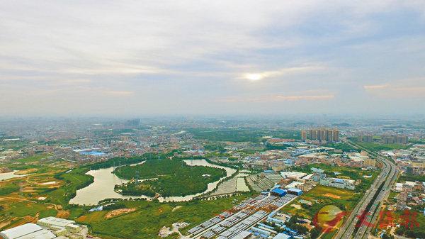 ■深圳隔鄰的東莞樓房每平方的均價還是15,000元之內,預期升值潛力不小。圖為東莞市城市風景。 網上圖片