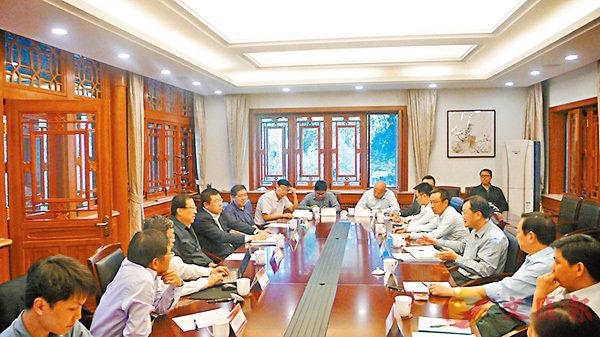 ■陳冬一行在北京大學座談交流。