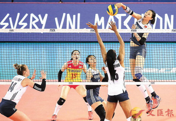 ■袁心玥攻破美國隊的五指關。 FIVB圖片