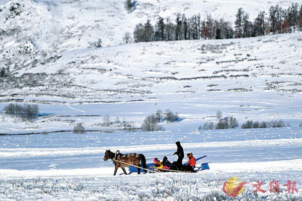 ■冰天雪地、雪窖冰天都指嚴寒的地方。 資料圖片