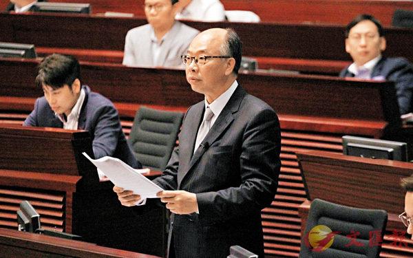 ■陳帆昨日逐點反駁反對派議員的謬論。香港文匯報記者劉國權  攝