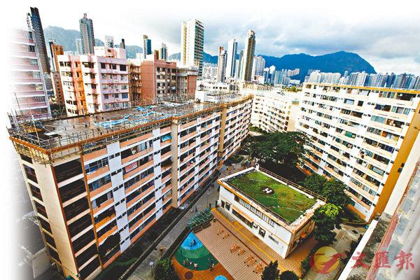 特首:市區舊屋邨重建 增房屋供應