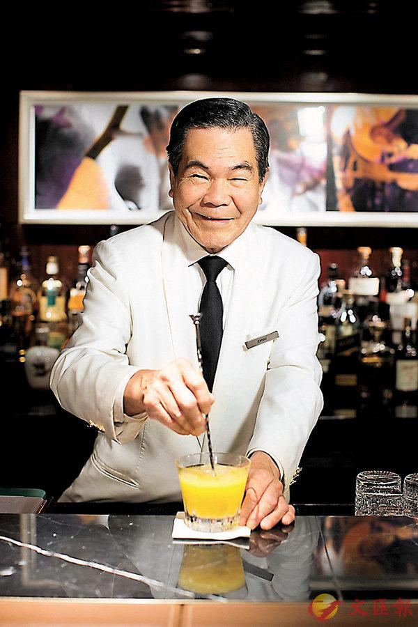 ■半島酒店的溫情讓Johnny哥工作超過一個甲子,直至今天仍未退休。 作者提供