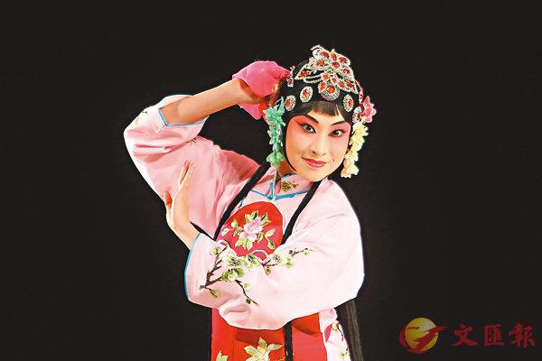 ■演員表演京劇《拾玉鐲》。
