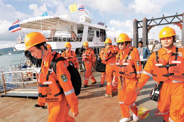兩中國救援隊加入布吉翻船打撈作業