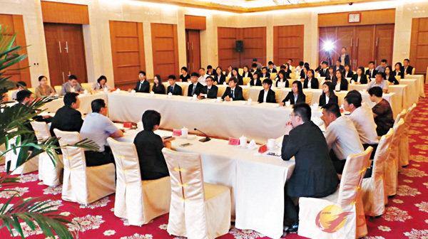 ■雲南旅港青年舉辦菁英座談,來自各領域的傑出青年分享在港的生活點滴。